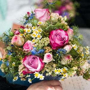 Florale Dekorationen Fur Hochzeiten Brautstrausse Brautfloristik